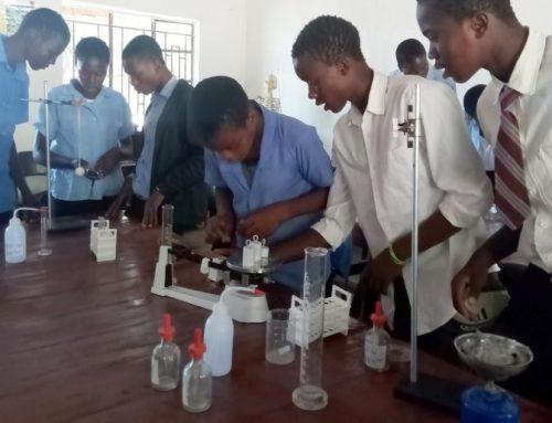Bau eines Schullabors in Malawi